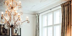 * gorgeous chandelier.