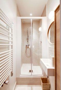 Bathroom without window dark: solutions for more light Modern Bathroom Mirrors, Bathroom Mirror Cabinet, Mirror Cabinets, Diy Cabinets, Small Bathroom, Master Bathroom, Bad Inspiration, Bathroom Inspiration, Bathroom Organization