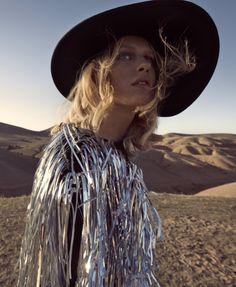 Harper's Bazaar US, Marzo 2016, modella Lura Julie, foto di Camilla Akrans