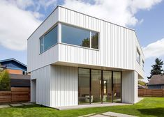 The form of Pavilion house is derived from a dining table