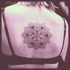 Jessica was over from New Zealand for 48 hours so I made sure I found time to do her first tattoo! Enjoy, Jessica, and have a safe trip home! #tattoo #mandala #mandalatattoo #lotus #lotusmandala #blacktattoo #mehndi #mehnditattoo #domholmestattoo