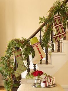 Decorating, Enchanting Christmas Stairs Decoration Ideas: DIY Awesome Stairs Decoration for Christmas Time especially when you don't have a fireplace for hanging stockings Magical Christmas, Christmas Love, Rustic Christmas, Beautiful Christmas, All Things Christmas, Christmas Holidays, Christmas Crafts, Christmas Ideas, Vintage Christmas