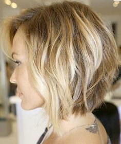 Soft Wavy Bob Haircut for Women
