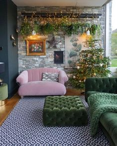 'm signing off for Christmas with my favourite festive shot. Yes I posted it a few weeks ago and no there aren't any subtle changes. No - 'm signing off for Christmas with my favourite festive shot. Yes I posted it a few weeks ago a. Home Living Room, Interior Design Living Room, Living Room Designs, Living Room Decor, Bedroom Decor, Interior Modern, Decor Room, Wood Interiors, Home Decor Inspiration