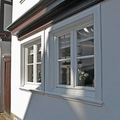 Weiße Holz Sprossenfenster Mit Holzverkleidung Für Denkmalgeschützte  Gebäude   Sorpetaler Fensterbau