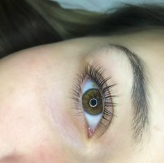 As a lash artist you've probably heard about the new-age lash perm sweeping the industry. With easy-to-control creams that are safe and easy to apply, and virtu