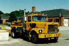 NYSDOT '76 Brockway 761T Mack Trucks, Big Trucks, All Truck, Heavy Duty Trucks, Vintage Trucks, Classic Trucks, Heavy Equipment, Tractors, Vehicles