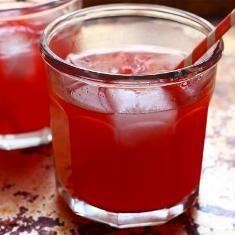 Raspberry Vanilla Smash Lemonade (via www.foodily.com/r/iUnErI45t)