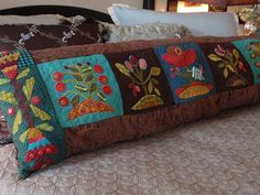 More Sue Spargo Wool Applique Wool Quilts, Wool Fabric, Fabric Art, Felt Applique, Applique Quilts, Applique Ideas, Electric Quilt, Wool Embroidery, Wool Art