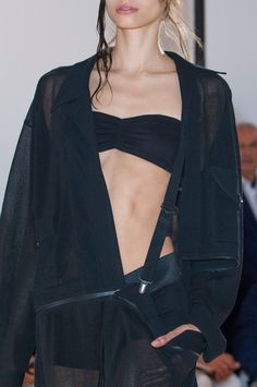 Yohji Yamamoto at Paris Fashion Week Spring 2015 - Details Runway Photos Runway Fashion, Fashion Models, Fashion Brands, Paris Fashion, Minimal Fashion, High Fashion, Women's Fashion, Yoji Yamamoto, Japanese Fashion Designers