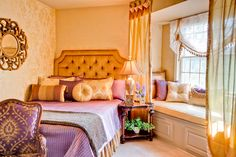 gold and purple decor elements, paint, and furniture in your home - Interior Design Photos