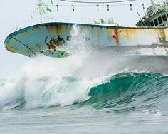 Padang Padang shipwreck Bali, Indo