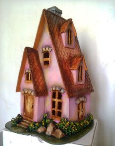 Clay Fairy House, Fairy Houses, Homemade Wall Art, Diy And Crafts, Arts And Crafts, Clay Fairies, Gingerbread, Christmas Decorations, Outdoor Decor