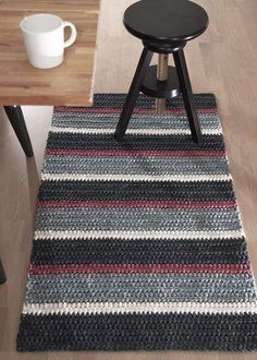 Discount Carpet Runners For Hall Crochet Table Mat, Crochet Doily Rug, Crochet Carpet, Crochet Rug Patterns, Crochet Home, Shag Carpet, Diy Carpet, Small Round Rugs, Knit Rug