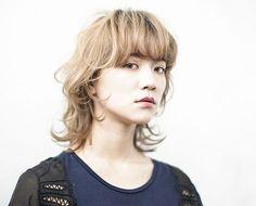 Beautiful, modern shag for wavy/curly hair Haircuts For Medium Hair, Medium Hair Styles, Curly Hair Styles, Cut My Hair, Love Hair, Hair Cuts, Mullet Hairstyle, Asian Hair, Hair Images