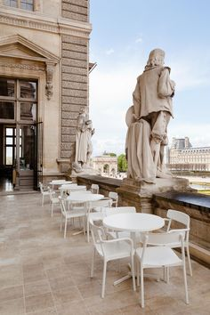 Mathieu Lehanneur has renovated a cafe inside the Louvre Museum in Paris, pairing its historical surroundings with modern pink acrylic lighting fixtures John Pawson, Paris France, Renovation Paris, Mathieu Lehanneur, Melbourne, Paris Secret, Hotel Des Invalides, Pink Lamp, Rest House