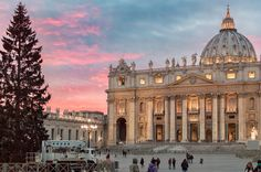 All things Europe — St. Peter's Basilica, Vatican (BY throughalens83)