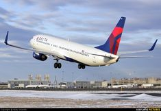 N372DA Delta Boeing 737-800