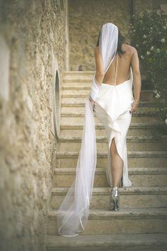 Tom Ford Wedding Dress   Stylish Al Fresco Wedding in Tuscany   Divine Day Photography   Bridal Musings Wedding Blog