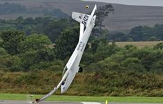 Air Show Crash and Spectacular Escape of Pilot pics) Cool Pictures, Cool Photos, Funny Pictures, Amazing Photos, Funny Images, Funny Pics, Amazing Places, Image Avion, Crash Test