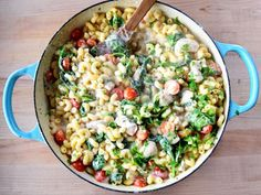 Get Chicken Florentine Mac and Cheese Recipe from Food Network Pasta Recipes, Beef Recipes, Chicken Recipes, Cooking Recipes, Skillet Recipes, Skillet Meals, What's Cooking, Recipies, Macaroni Cheese