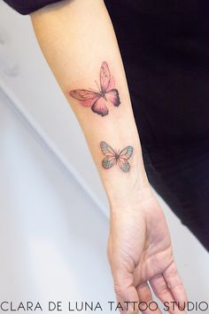Butterflies tattoo - The most creative and beautiful tattoo list Butterfly Tattoo Cover Up, Butterfly Tattoo On Shoulder, Butterfly Tattoos For Women, Butterfly Tattoo Designs, Tattoo Designs For Women, Tattoos For Women Small, Small Tattoos, 3d Tattoos, Dream Tattoos
