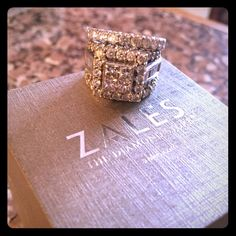 6 carat princess cut Love it !! Got proof of purchase Paid more at Zales ❤️ Jewelry