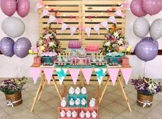 On the off chance that you like DIY things for your home and yard that cost by nothing, these 21 inv Pallet Sectional, Pallet Daybed, Diy Pallet Furniture, Bumble Bee Birthday, Pink Birthday, Birthday Parties, Pallet Table Top, Pallet Seating, Decoracion Baby Shower Niña
