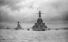 ROYAL NAVY DURING FIRST WORLD WAR (Q 68616)   HMS Queen Elizabeth of the 5th Battle Squadron of the Grand Fleet and other warships at Rosyth.