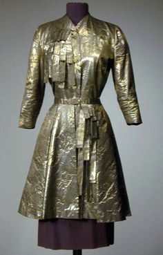 Adrian Gold and Silver Floral Pattern Lame and Silk Crepe Dinner Suit, 1940s