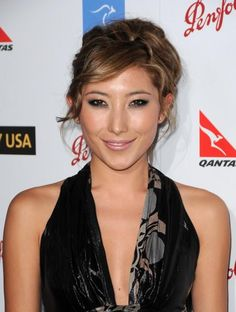 Dichen Lachman - adorable and mixed race beauty. Dichen Lachman was born in Kathmandu, Nepal, to a Tibetan mother and Australian father. Until the age of seven, she lived in Kathmandu with her parents and extended family. Dichen Lachman, Altered Carbon, Mixed Race, Extended Family, Gladiators, Woman Crush, Girl Crushes, Pretty People, Zero