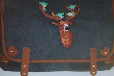 Canvastasche grau bestickt Hirsch Raumwunder  von Illustramenti - Nadelmalerei - Embroidery auf DaWanda.com
