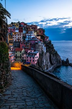 You come to Cinque Terre in Italy for beautiful villages, stunning photography and great eats. But I found the most perfect kind of silence as well.
