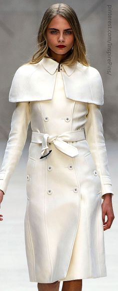 ✿~All Things {WHITE}✿⊱╮ **Burberry Prorsum Fabulous coat to head to the airport in, for those of us in the colder climates this winter.