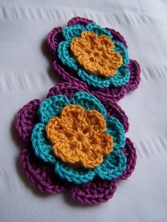 Appliques-- love the color combo crochet-inspirations