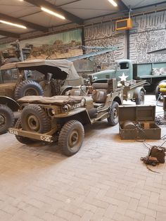 Military Jeep, Military Vehicles, Super 4, Shop Truck, Jeep Willys, Armored Fighting Vehicle, Jeep Stuff, Jeep Life, Garages