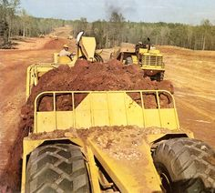 Fantastic photo from volume 27 of the Allis-Chalmers Reporter showing a model 460B being push loaded while another returns from the cut. The action was captured on a highway relocation job. Particular points of note are the complete absence of ROPS, windscreens, hearing protection (and probably resource consents) which are so prevalent today.