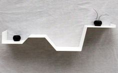 """Etagère murale """"zig"""" étagère design blanche. Etagère originale et moderne pour la décoration intérieure."""