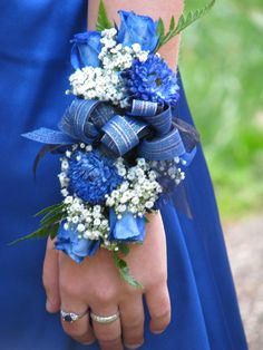 My Senior Prom Corsage Blue Corsage, Prom Corsage And Boutonniere, Flower Corsage, Corsage Wedding, Wrist Corsage, Homecoming Corsage, Homecoming Mums, Prom Flowers, Bridal Flowers