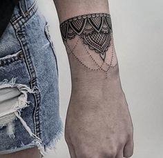 Fancy Bracelet Tattoo by Flavio Souza