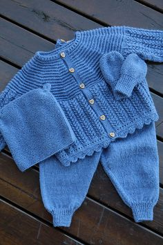 Ravelry: Project Gallery for Dale Baby 277-01 pattern by Anne-Kirsti Espenes