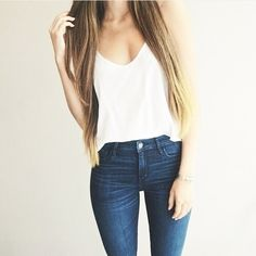 Image via We Heart It https://weheartit.com/entry/152249986 #body #christmas #fashion #girl #hair #jeans #love #sweater