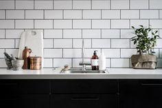Mint green sofa in a light home Kitchen Lamps, Kitchen Tiles, Kitchen Interior, Kitchen Decor, Kitchen Design, Kitchen Renovation Inspiration, Home Decor Inspiration, Kitchen Inspiration, Best Kitchen Lighting