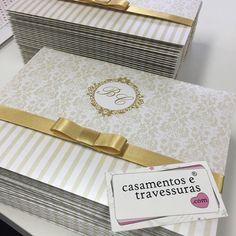 Convite 32D dourado  casamentosetravessuras.com - Lembrancinhas de Casamento Convites Aniversário 15 anos Formatura etc.