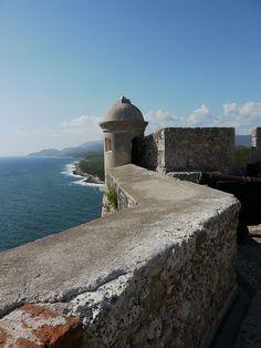 Santiago de Cubalà thành phố lớn thứ hai tại Cuba, nằm ở phía đôngCuba
