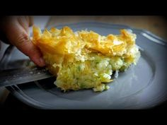 Νηστίσιμη - vegan Πατατόπιτα | Mamatsita | - YouTube Baked Potato, Macaroni And Cheese, Potatoes, Vegan, Baking, Ethnic Recipes, Food, Youtube, Mac And Cheese