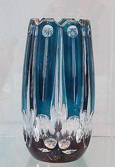 VSL Vase 'Ulysse' - Cristal clair doublé bleu-pétrole - Pièce créée pour l'exposition universelle de Liège 1930.