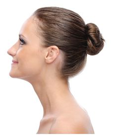 Reshape Your Nose with Rhinoplasty. Also referred to as a nose job or nose reshaping,… Romantic Hairstyles, Party Hairstyles, Latest Hairstyles, Job Interview Hairstyles, Anna Hair, Nose Reshaping, Remedies For Glowing Skin, Nose Surgery, Peinados Pin Up