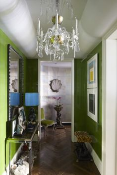 High Gloss Green Lacquer Walls, Stunning entryway!  @ToddAlexanderRomano, Best Interior Design, Top Interior Designers, Home Decor Ideas, Decor Tips, Contemporary design. For More News: http://www.bocadolobo.com/en/news-and-events/