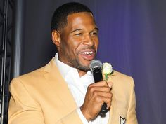 After Split, Michael Strahan Makes Emotional Speech at Pro Football Hall of Fame Induction http://www.people.com/article/michael-strahan-pro-football-hall-of-fame-induction